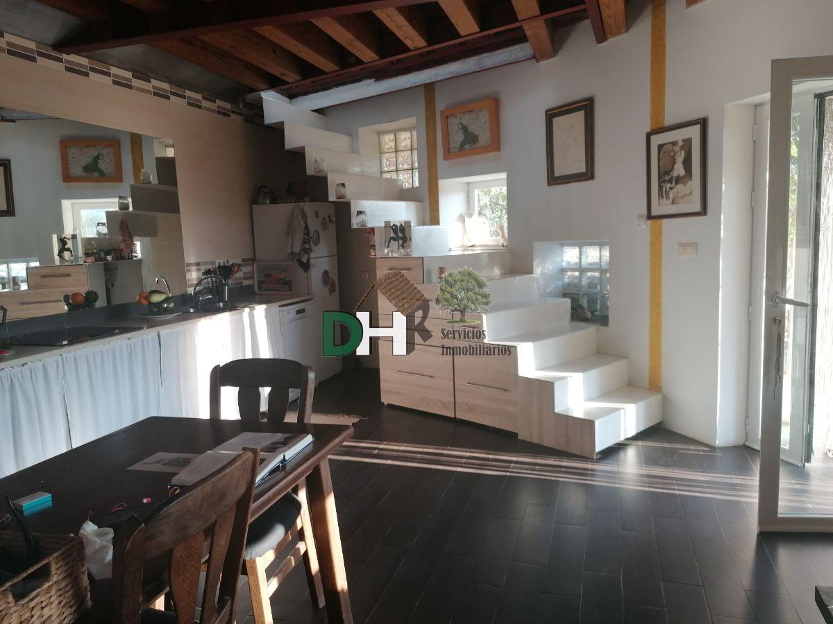 For sale of house in Casas del Castañar