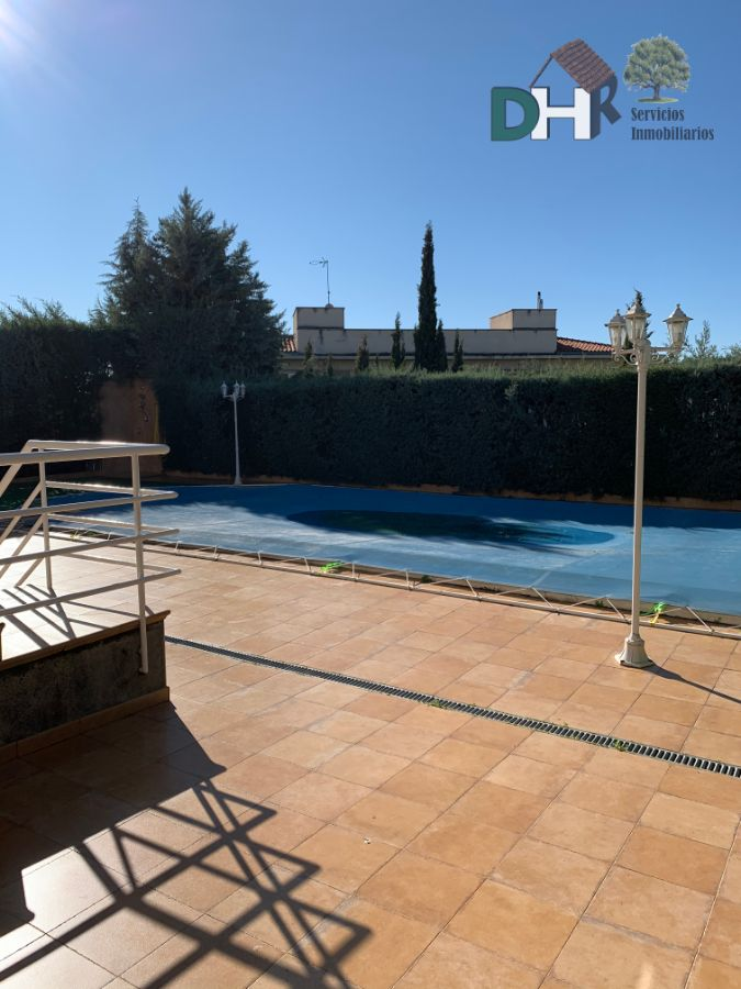 For sale of house in Cáceres