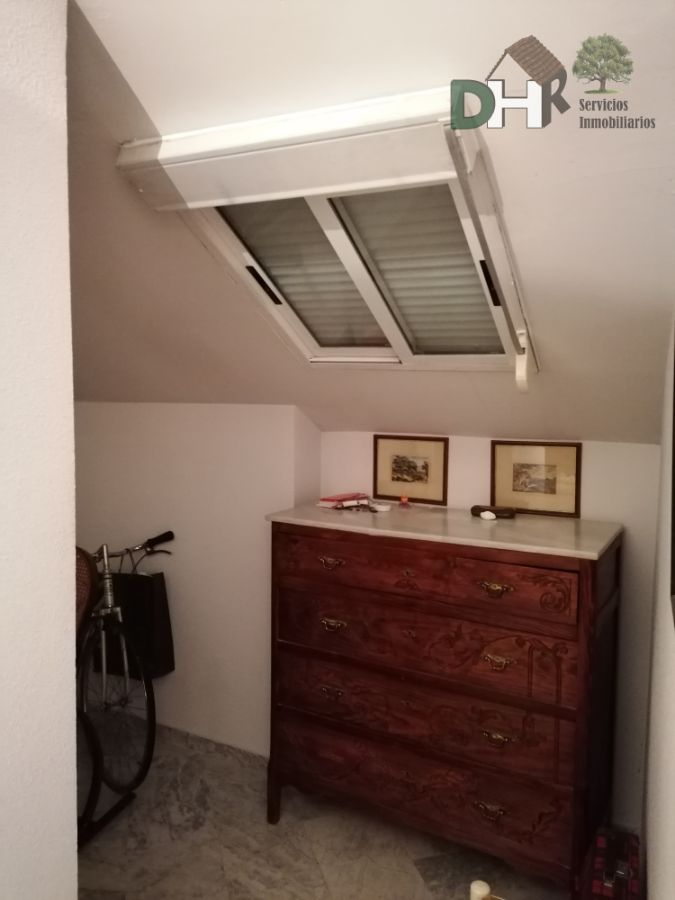 For sale of duplex in Cáceres