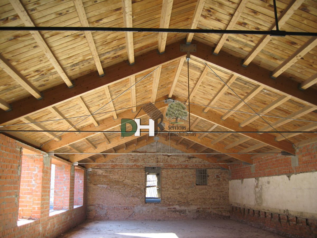 For sale of building in Plasencia