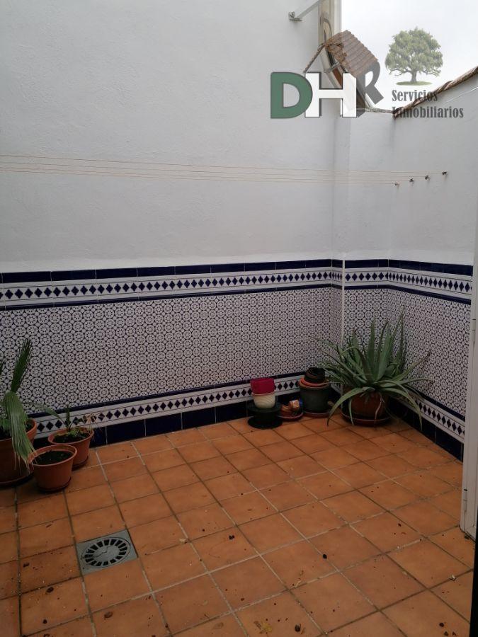 For sale of chalet in Malpartida de Cáceres