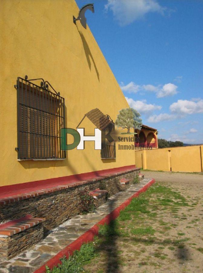 For sale of rural property in Torrejón el Rubio