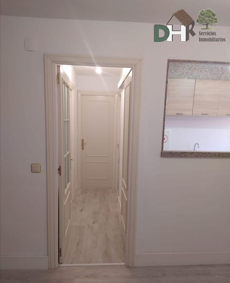 For sale of apartment in Cáceres