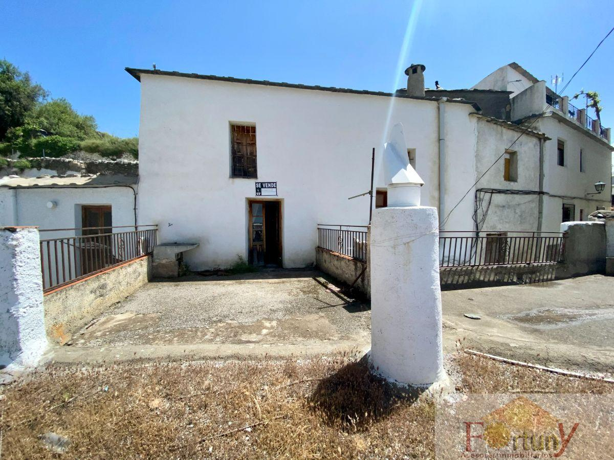 For sale of house in Pórtugos