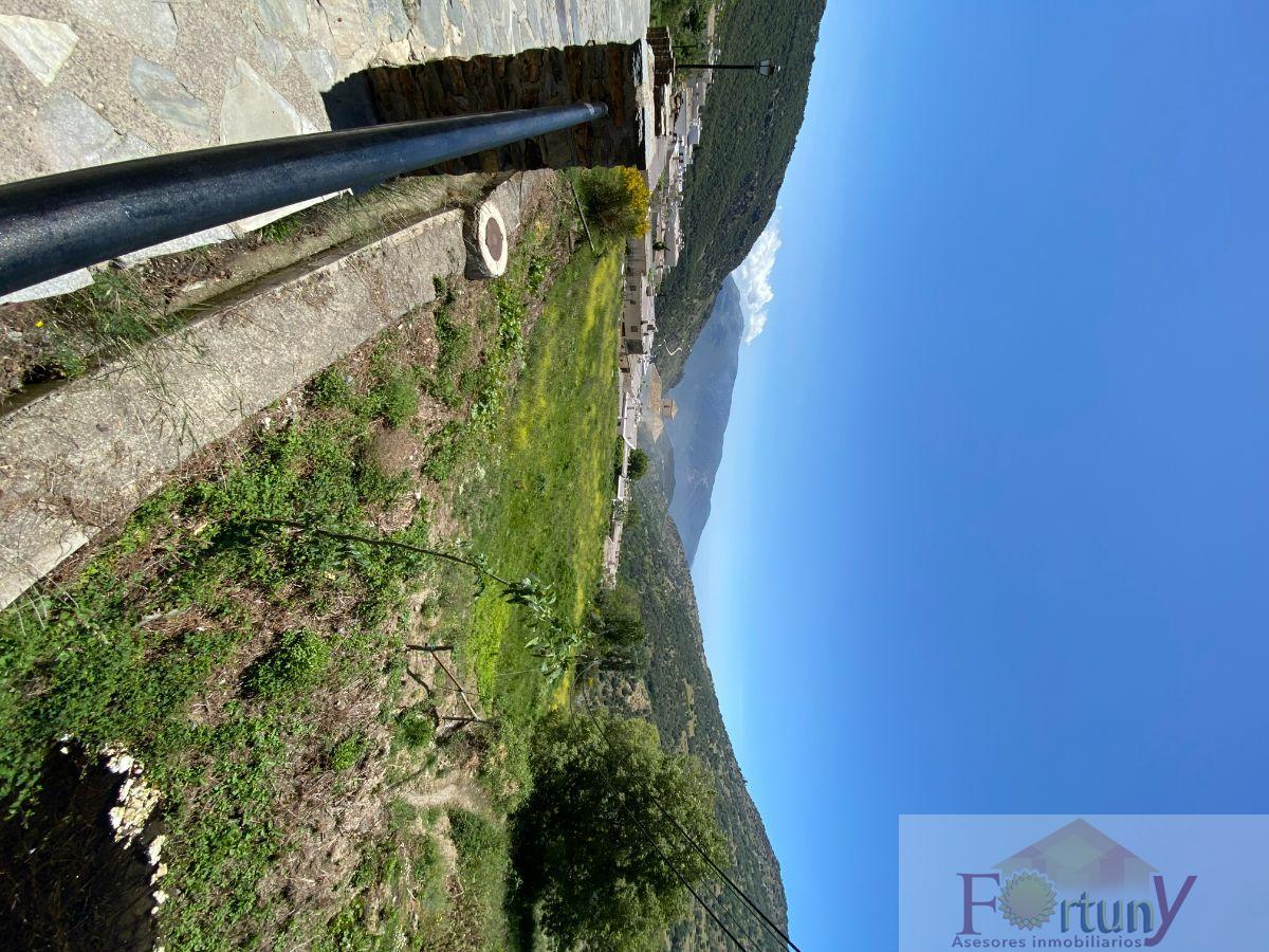 Venta de terreno en Bubión