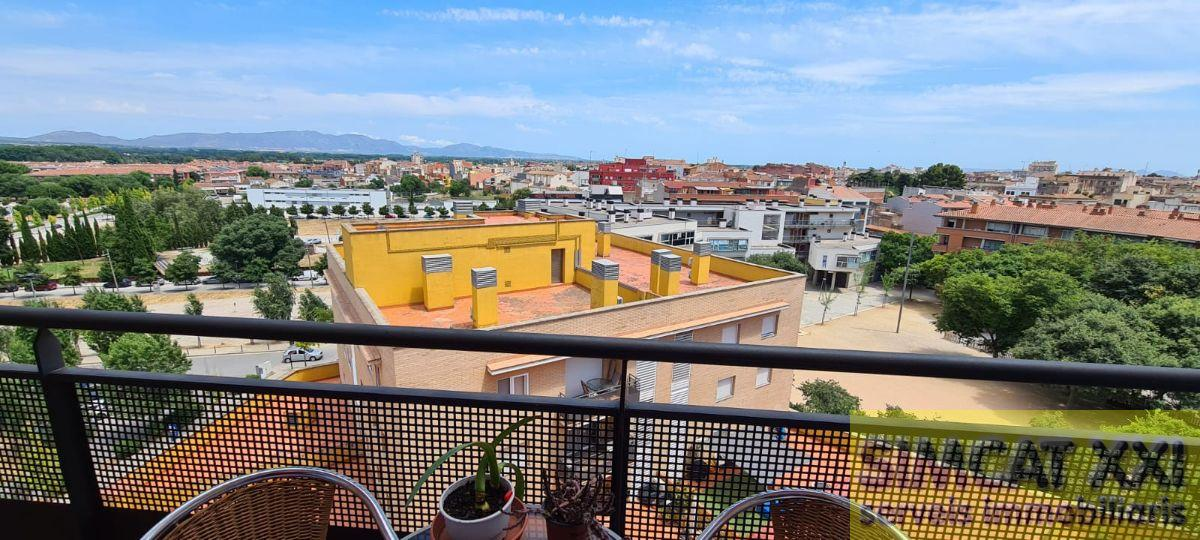 For sale of flat in Figueres