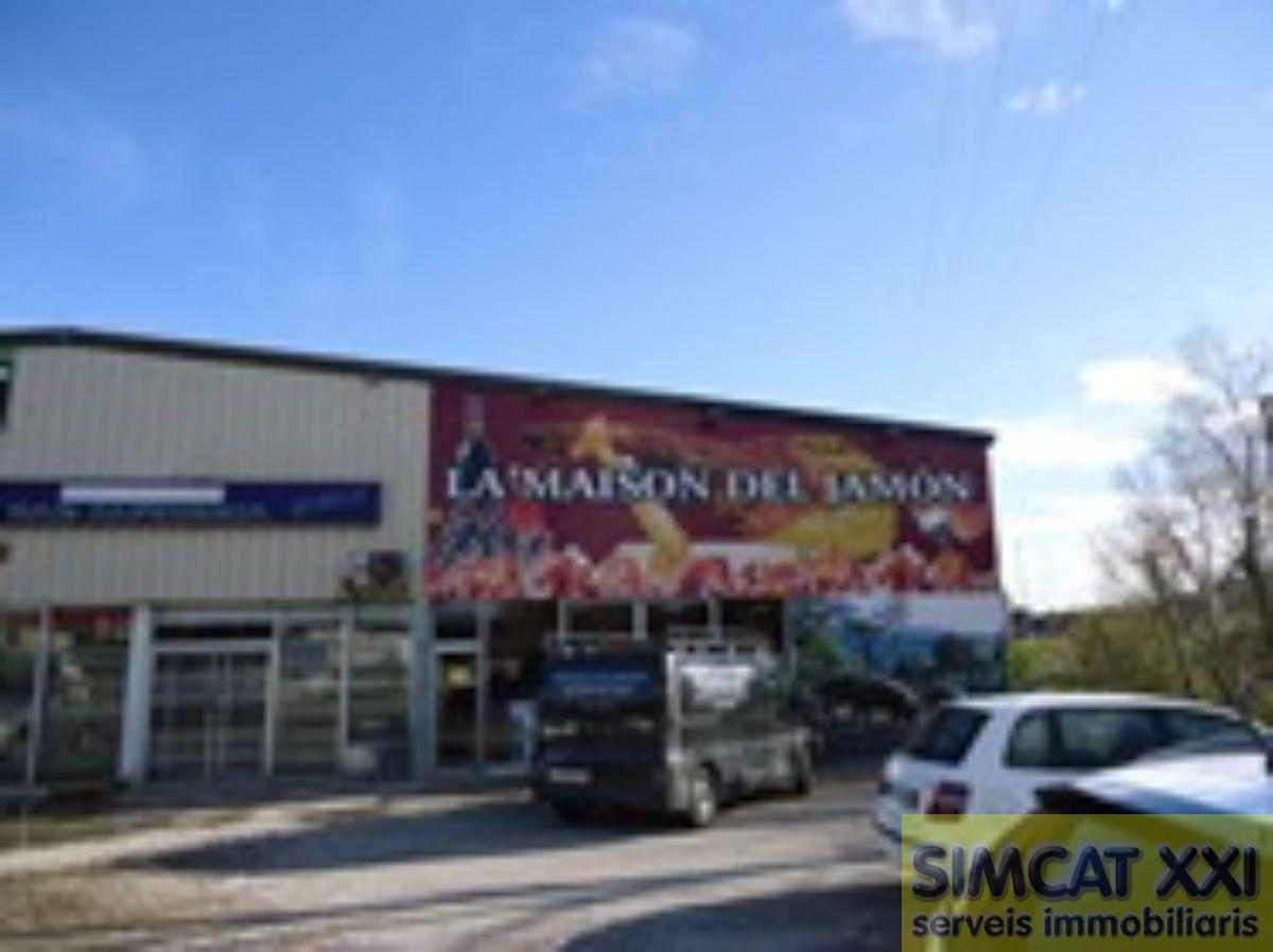 For sale of commercial in La Jonquera