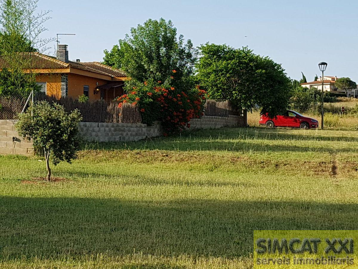 For sale of land in Cistella