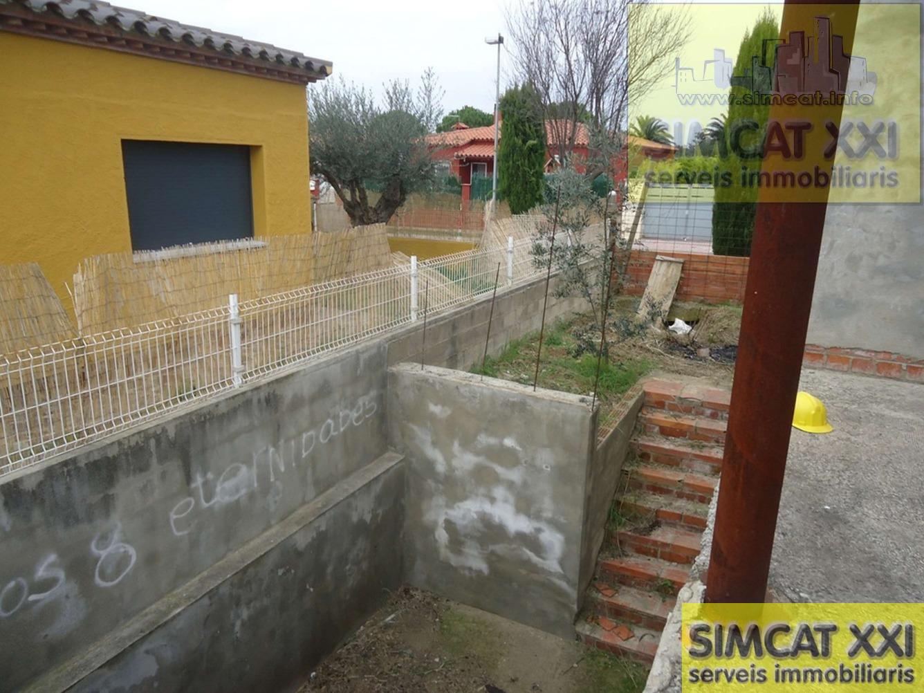For sale of house in Torroella de Fluvià