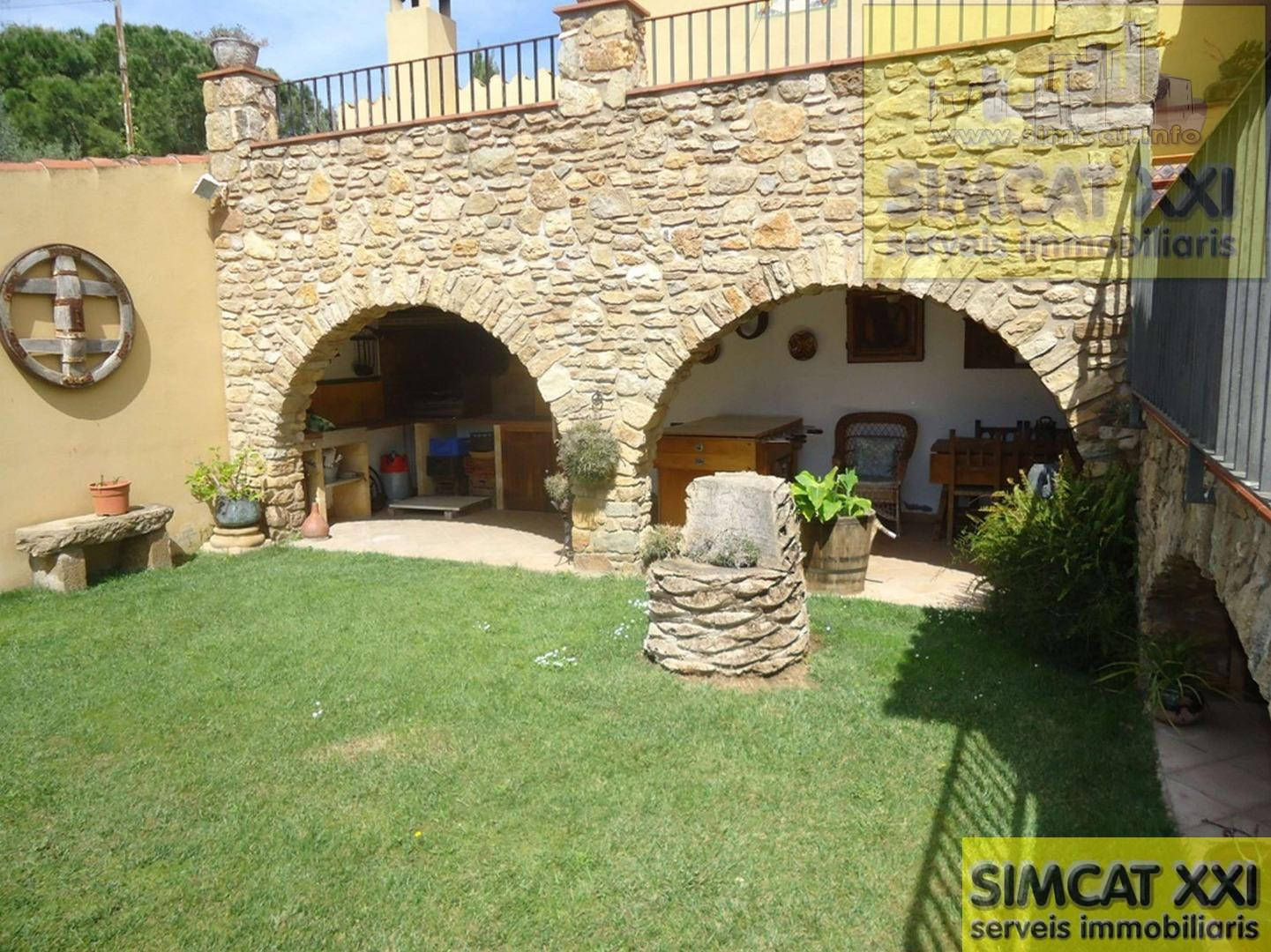 For sale of house in Garrigàs