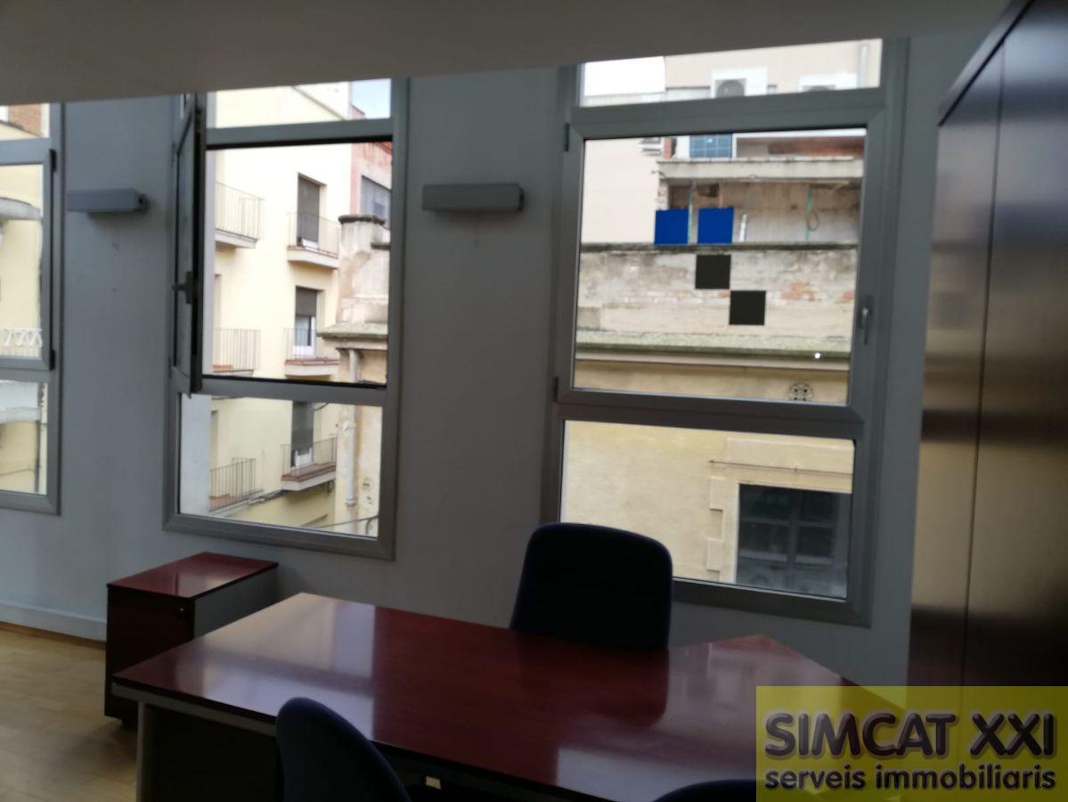 Venda de edifici a Figueres