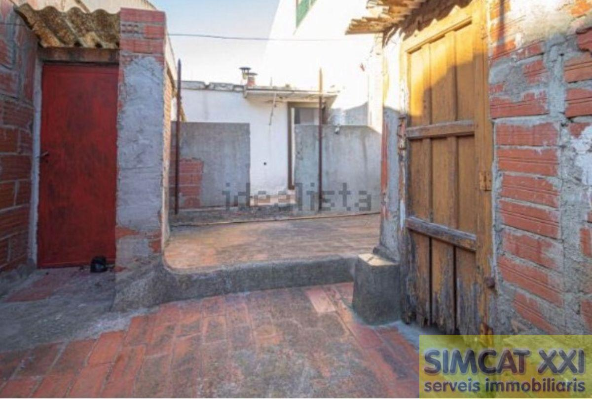 For sale of chalet in Figueres