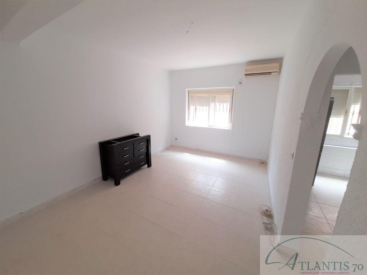 For sale of ground floor in San Fernando
