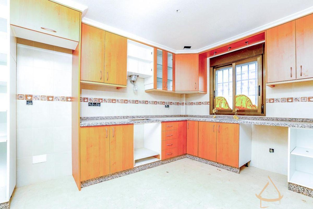 For sale of house in San Miguel de Salinas