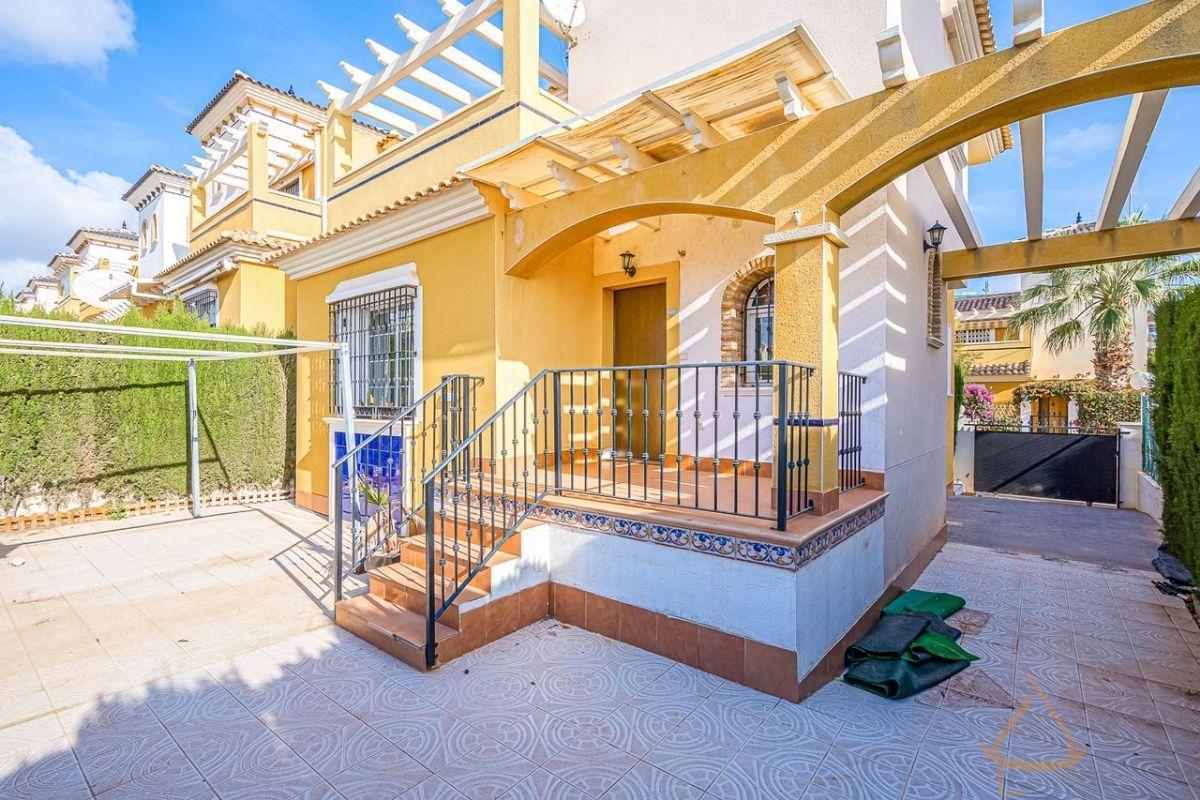 For sale of duplex in Orihuela Costa
