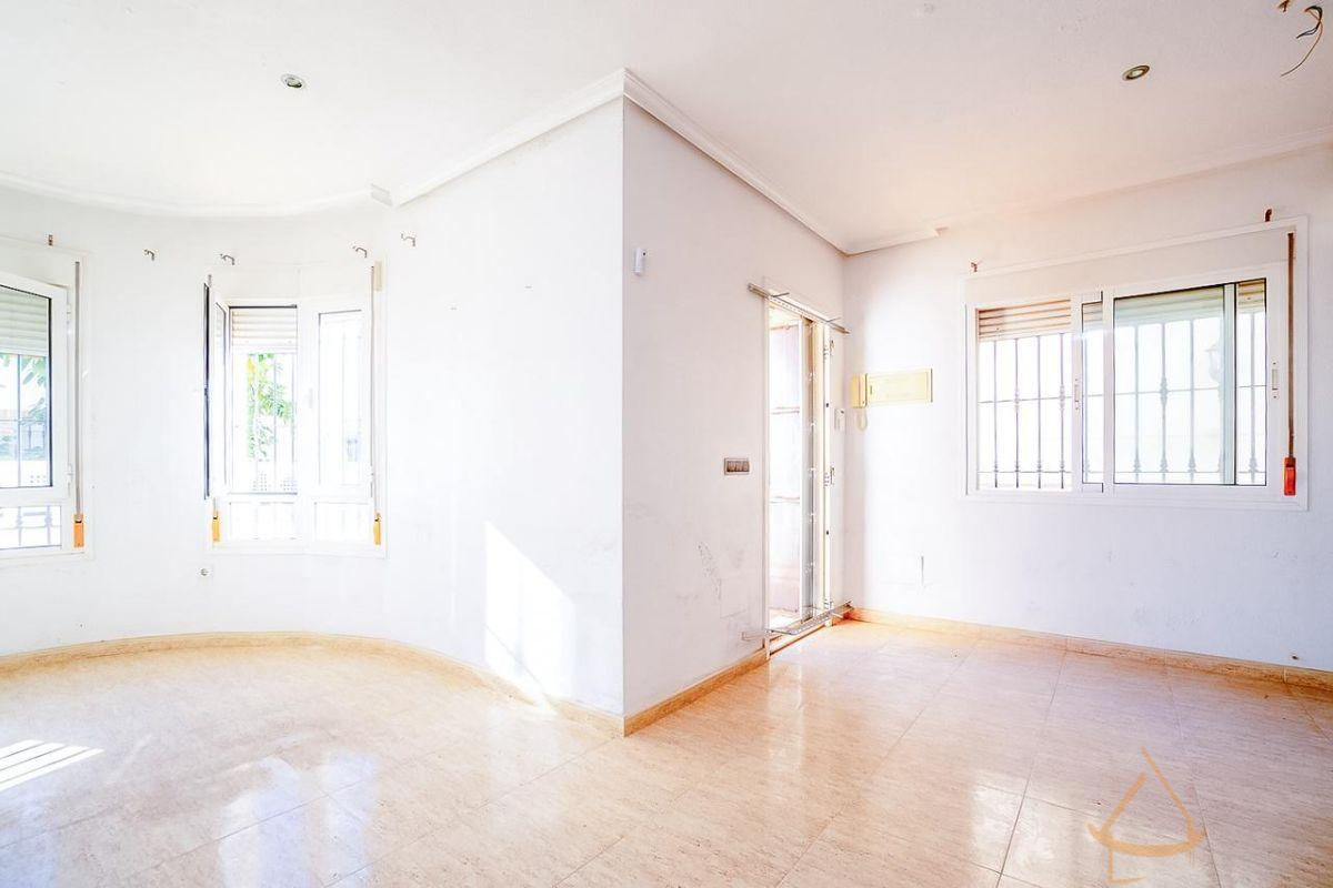 For sale of house in Algorfa