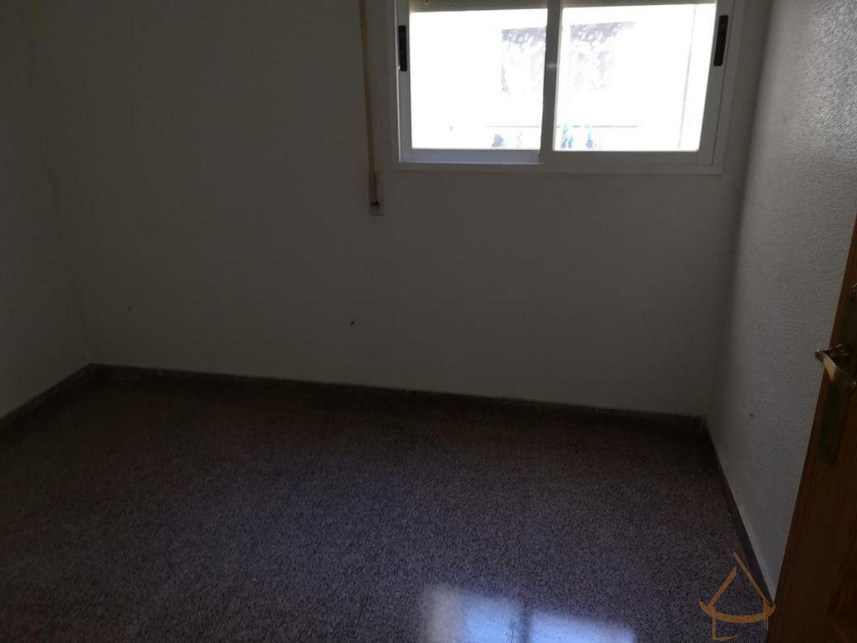 For sale of office in Catral