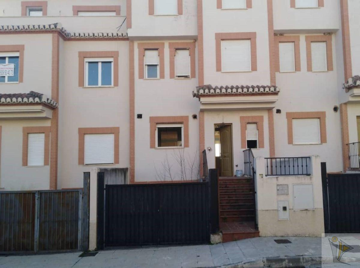 For sale of chalet in Atarfe