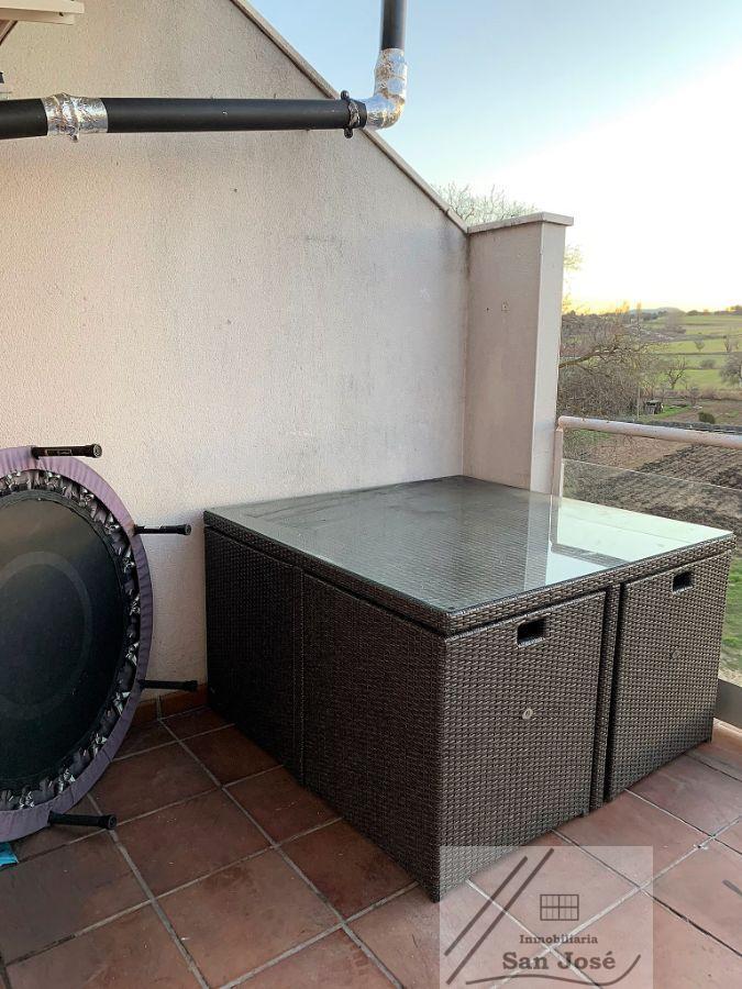 For sale of duplex in Chillarón de Cuenca