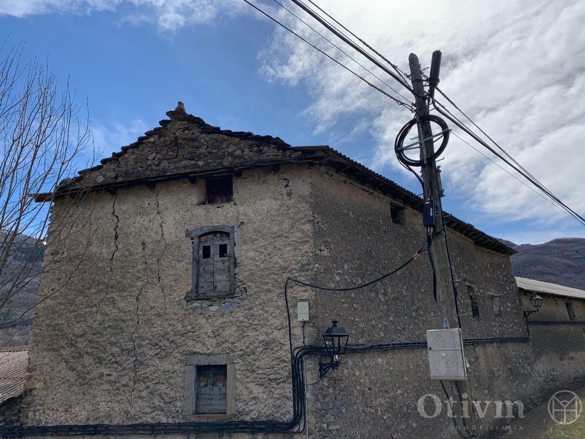 For sale of house in Sahún