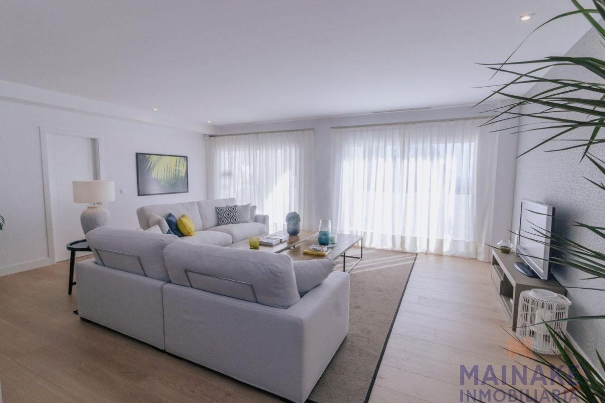 For sale of apartment in Benalmádena