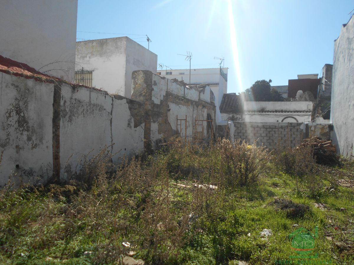 For sale of land in San Roque